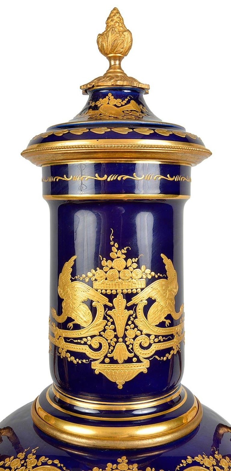 Impressive Sèvres Style Porcelain Vase, 19th Century In Excellent Condition For Sale In Brighton, Sussex