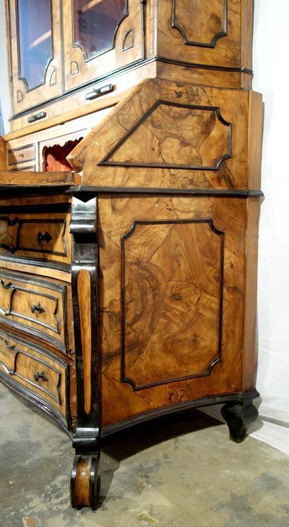 19th Century Antique Italian Lombardy Trumeau Secretary Hutch Walnut and  Burl Veneer 1840 For Sale - Antique Italian Lombardy Trumeau Secretary Hutch Walnut And Burl