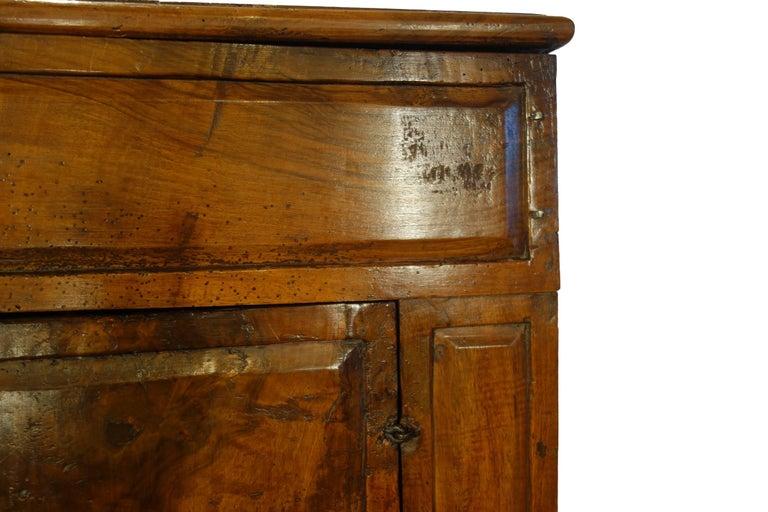 17th Century Antique Italian Rustic Tuscan Walnut Kneeler Circa 1660 For Sale 3