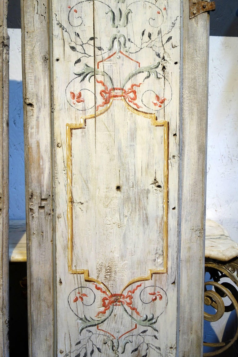 Antique Italian Pair of Hand Painted Door Panels from Arezzo Tuscany Circa 1820 For Sale 1
