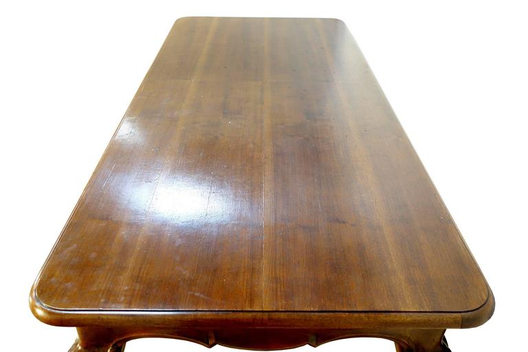 19th Century Antique Italian Louis XV Style Walnut Dining Table In Good Condition In Encinitas, CA