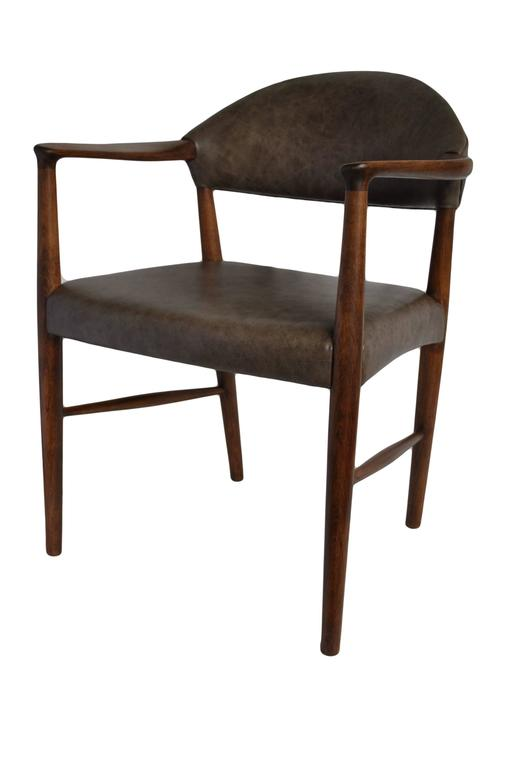 Mid-Century Modern Kurt Olsen Chair, fully refurbished and with new Italian Leather For Sale