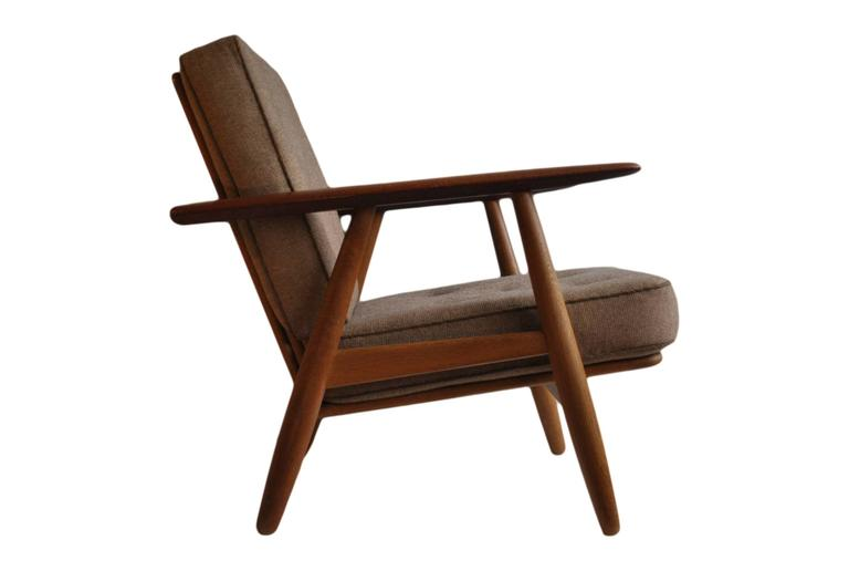 Mid-Century Modern Hans J Wegner GE240 Cigar Chair, Original GETAMA Model For Sale