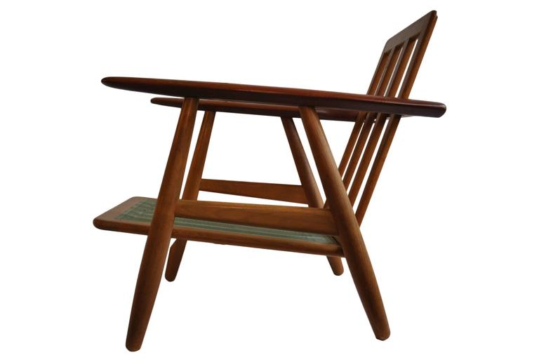 Oak frame with teak arms Classic GE240 'cigar' chair by Hans J Wegner for GETAMA.