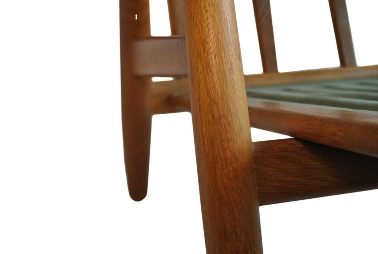 Hans J Wegner GE240 Cigar Chair, Original GETAMA Model For Sale 2