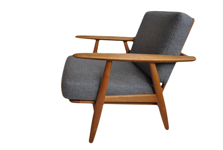 Hans J Wegner Cigar Chair Original Getama At 1stdibs