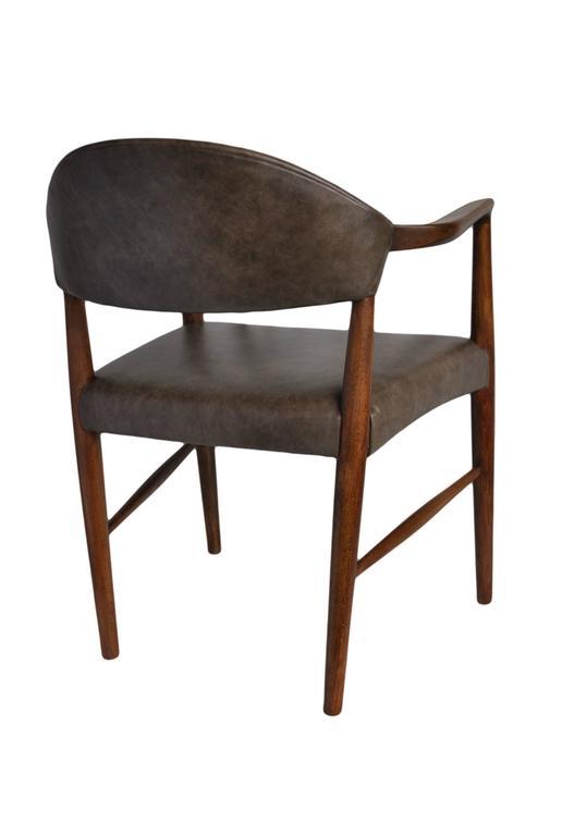 Kurt Olsen Armchair, fully restored in Italian Leather For Sale 3