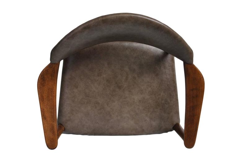 Kurt Olsen Armchair, fully restored in Italian Leather In Excellent Condition For Sale In London, GB