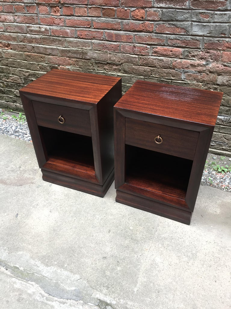 Pair of Charles Furniture Mahogany End Tables In Good Condition For Sale In Garnerville, NY