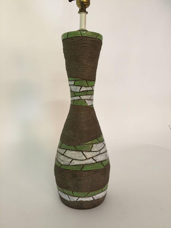 Aldo Londi for Bitossi Raymor Pottery Table Lamp In Good Condition For Sale In Garnerville, NY