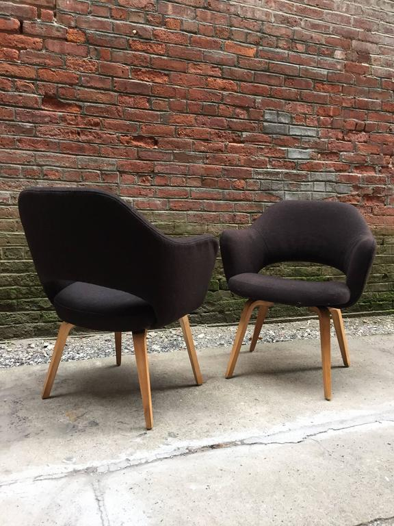 Mid-Century Modern Pair of Early Eero Saarinen Executive Armchairs for Knoll For Sale