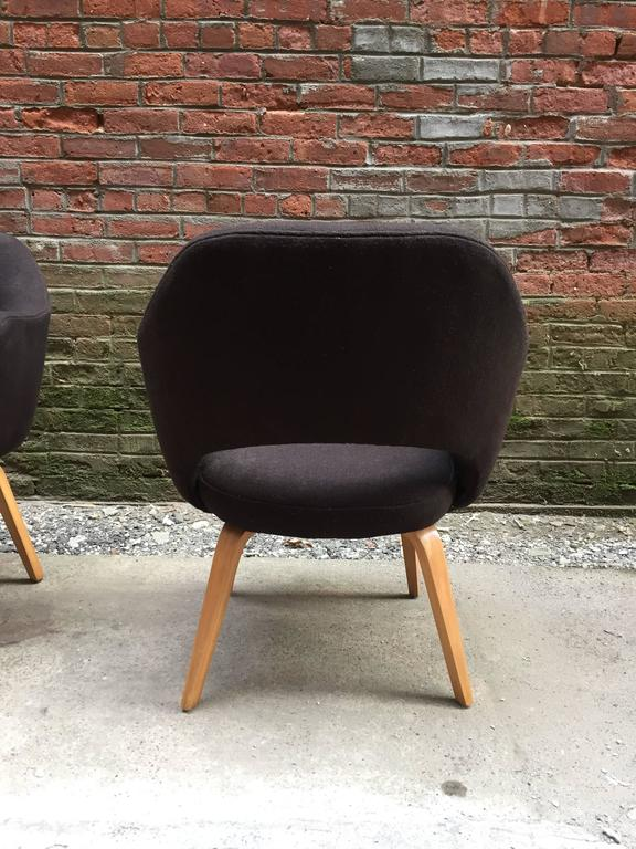 Pair of Early Eero Saarinen Executive Armchairs for Knoll In Good Condition For Sale In Garnerville, NY