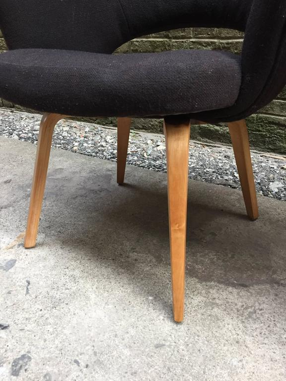 Wool Pair of Early Eero Saarinen Executive Armchairs for Knoll For Sale