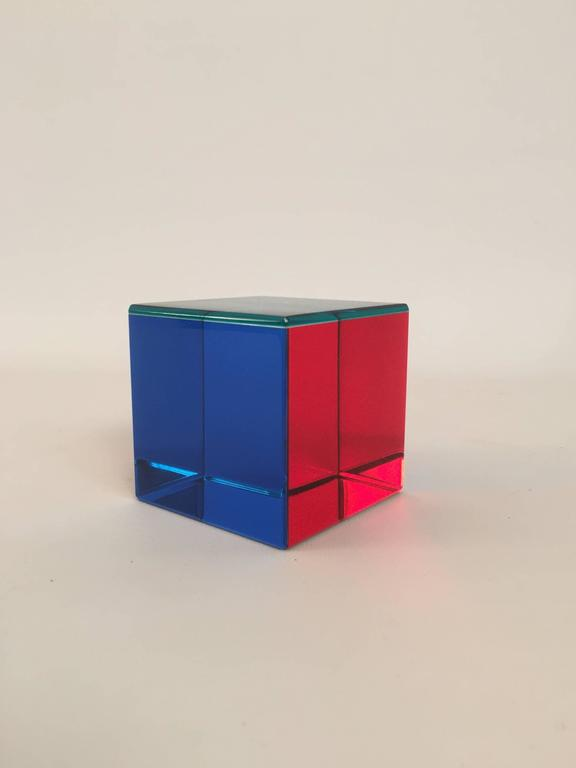 Post-Modern Signed Vasa Mihich Op Art Acrylic Cube For Sale