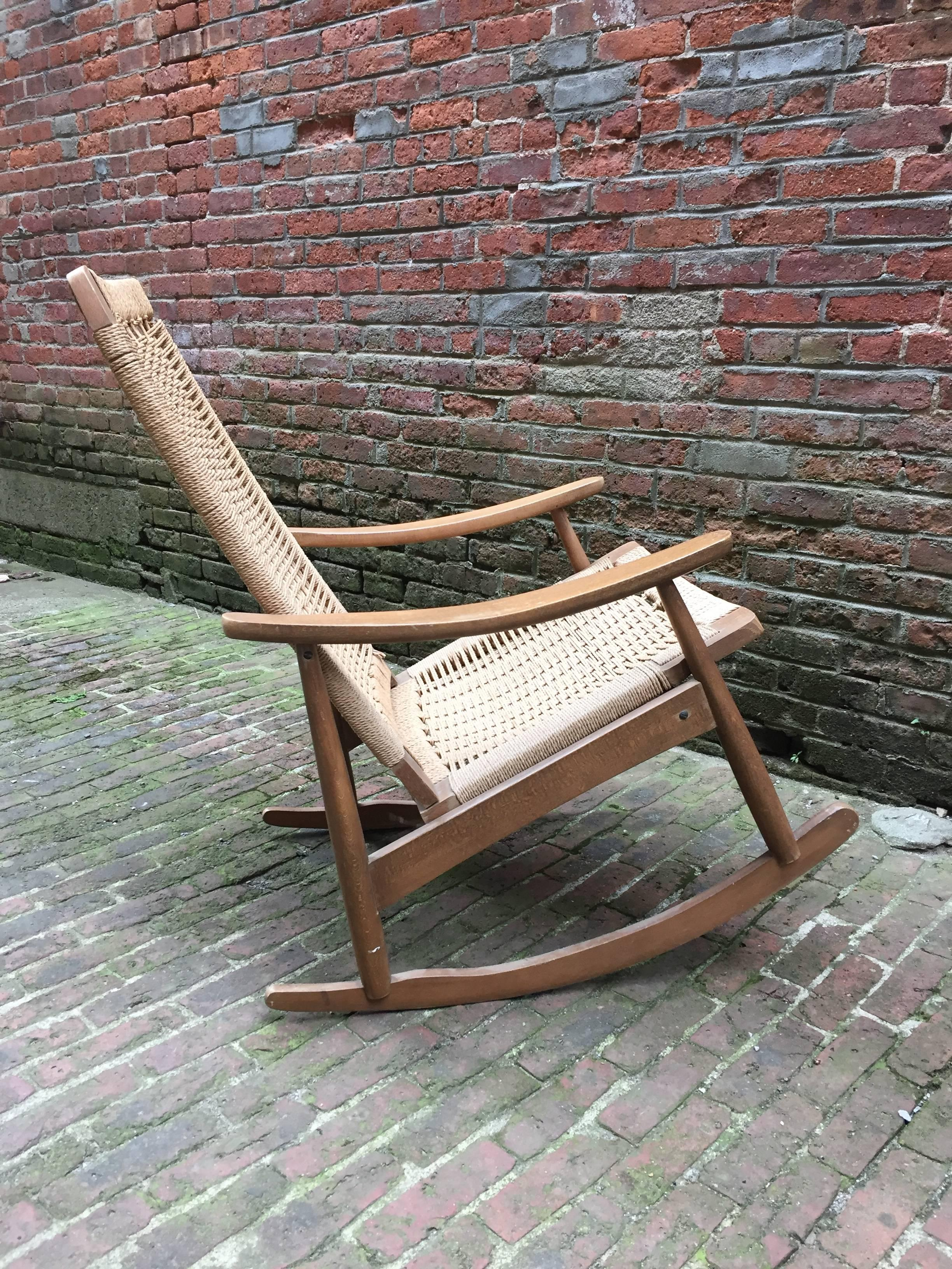 Mid-Century Modern 1960s Modern Rope and Wood Rocking Chair For Sale & 1960s Modern Rope and Wood Rocking Chair For Sale at 1stdibs