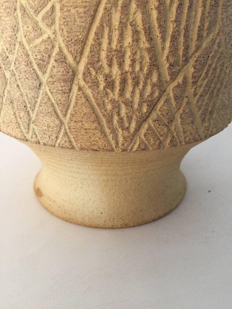 1970s John Masson Studio Pottery Wheat Vessel In Good Condition For Sale In Garnerville, NY