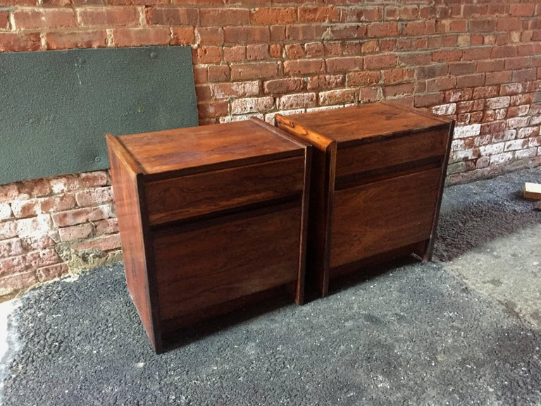 Scandinavian Modern Pair of Rosewood End Tables For Sale