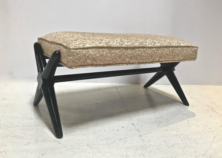 X-Base Trestle Bench, by T.H. Robsjohn-Gibbings for Widdicomb In Good Condition For Sale In Stamford, CT
