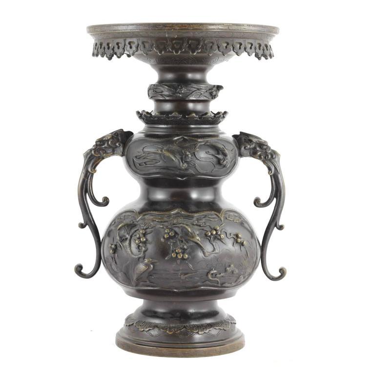 19th Century Japanese Meiji Period Bronze Urn