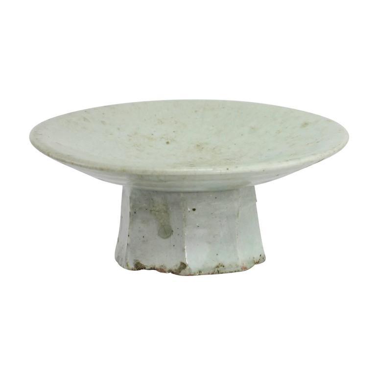 Korean Joseon Dynasty Octagonal Footed Dish 2