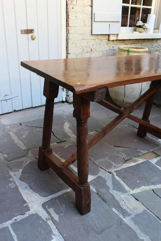 Antique French Early 19th Century Walnut Presentation Table 3