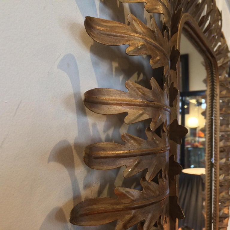 French Art Deco Aged Gilt Acanthus Leaf Raised Mirror In Good Condition For Sale In Daylesford, Victoria