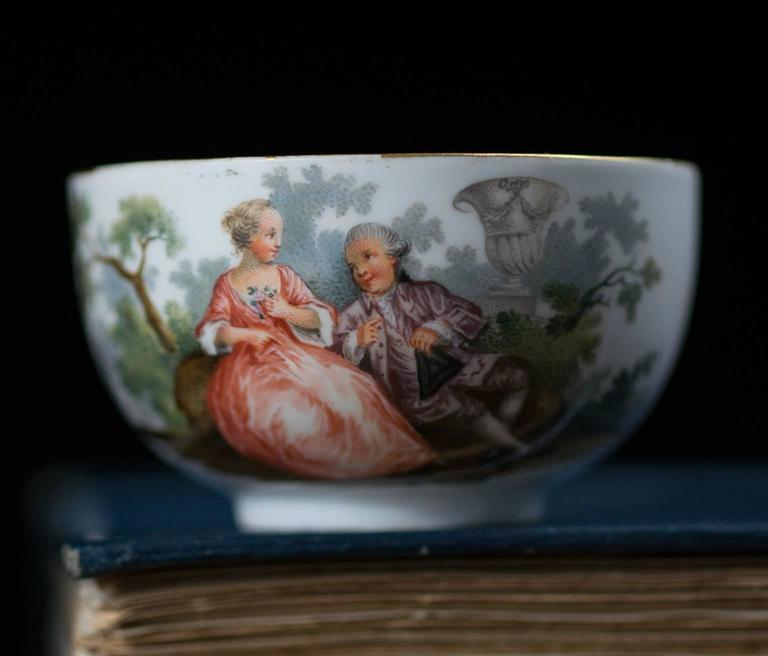 Rococo Meissen Teabowl and Saucer, Watteauesque Scenes, circa 1770 For Sale