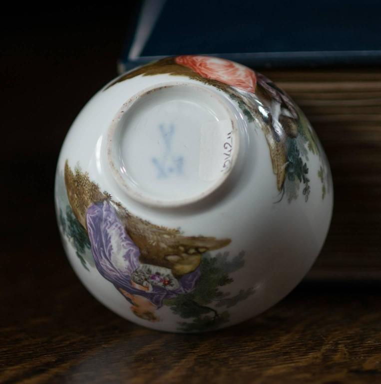 Porcelain Meissen Teabowl and Saucer, Watteauesque Scenes, circa 1770 For Sale