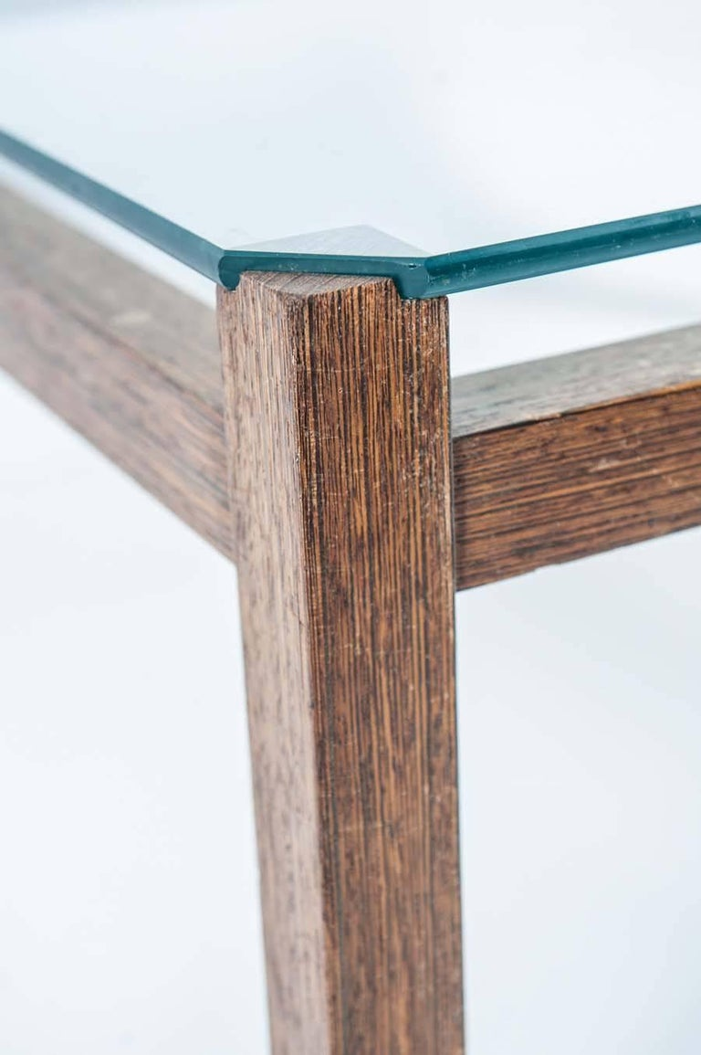 Midcentury Wengé and Glass Coffee Table designed by Kho Liang Ie for Artifort For Sale 3