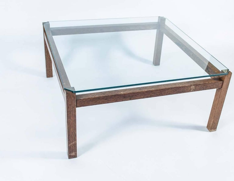 Midcentury Wengé and Glass Coffee Table designed by Kho Liang Ie for Artifort For Sale 4
