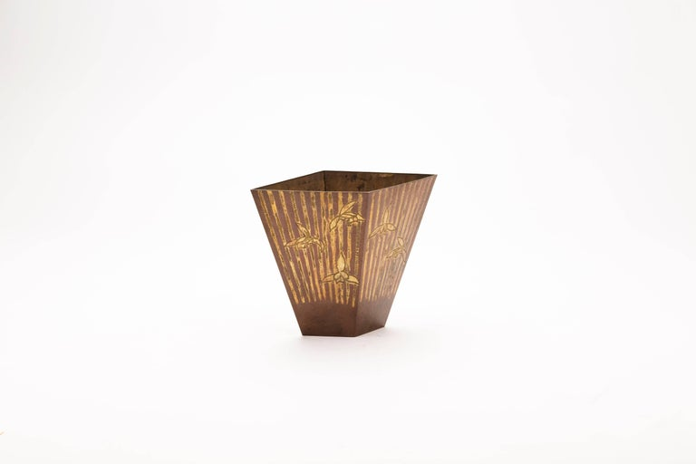 Mid-20th Century Japanese Hand Beaten Copper Vase with Iris and Stripes For Sale 2