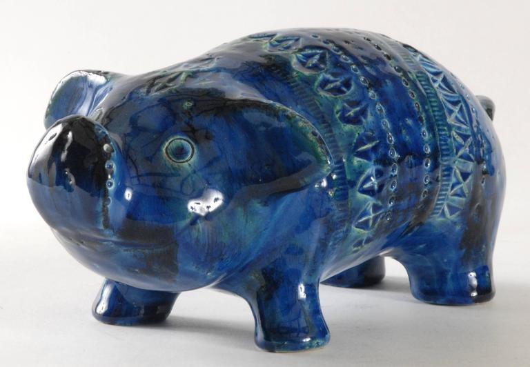 An Aldo Londi designed pig in 'Rimini Blu' pattern. Large size and whimsical expression with outstretched ears. Retains its paper 'Made in Italy' label.