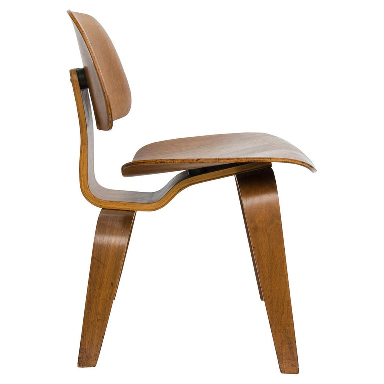 Mid-Century Modern Early DCW Chair by Charles Eames for Evans, 1940s For Sale