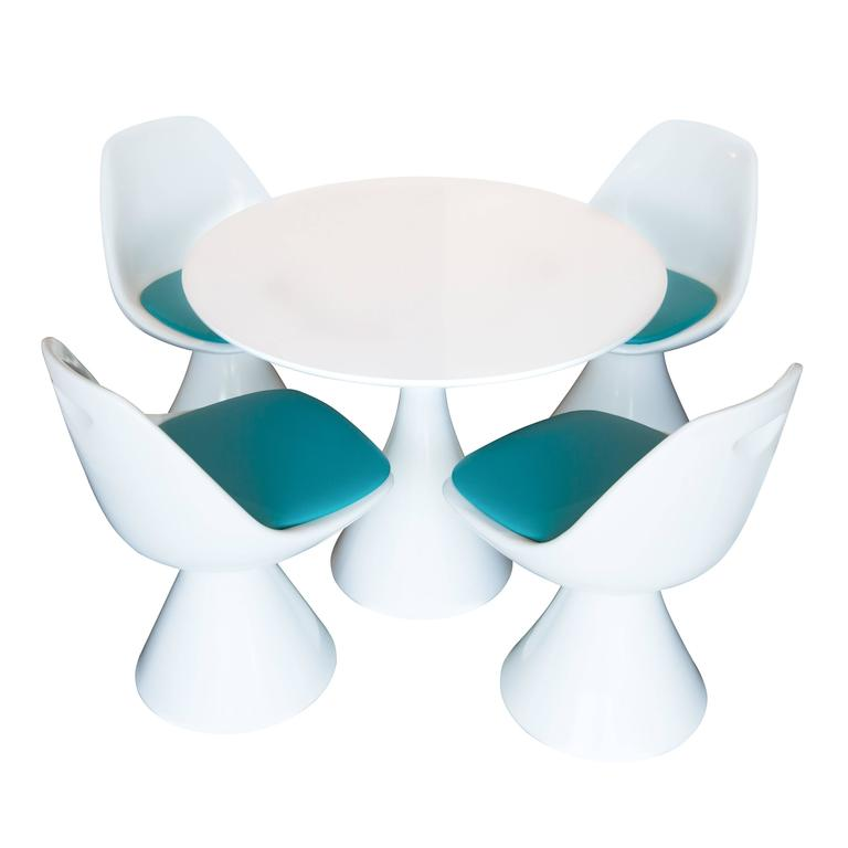 Vintage Saarinen Style Table And Chairs By Hollen For Sale