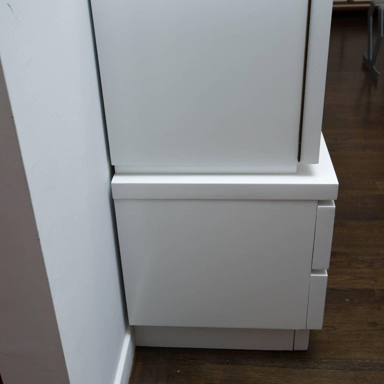 Mid-Century Modern White Lacquered Highboy Dresser For Sale 5