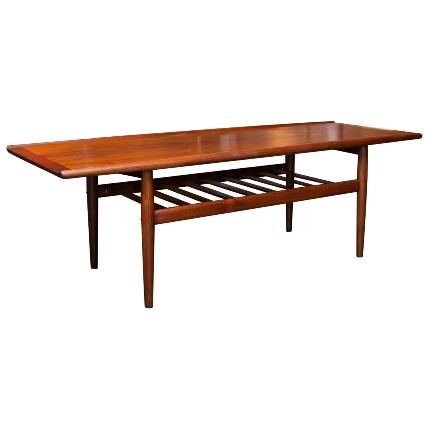 Exceptionnel Teak Coffee Table By Grete Jalk, Denmark, 1960s