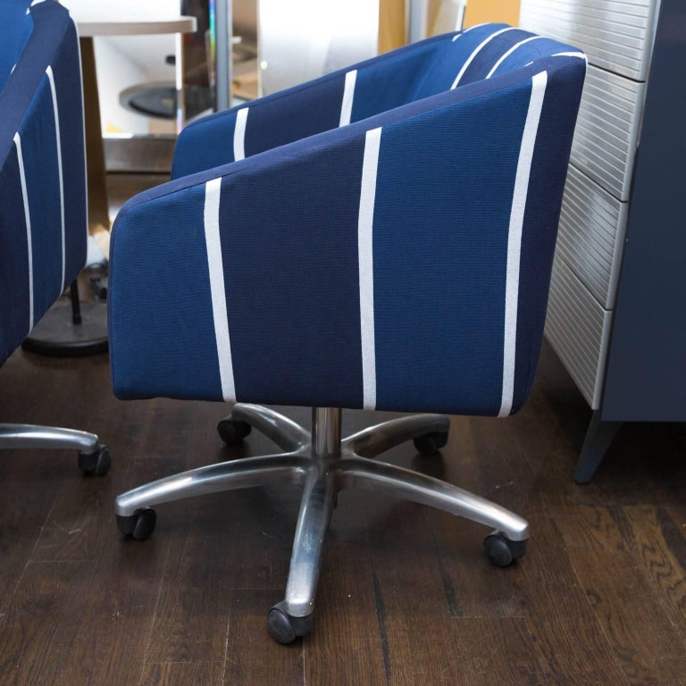 Upholstered Swivel Office Chair In Excellent Condition For Sale In Darien, CT