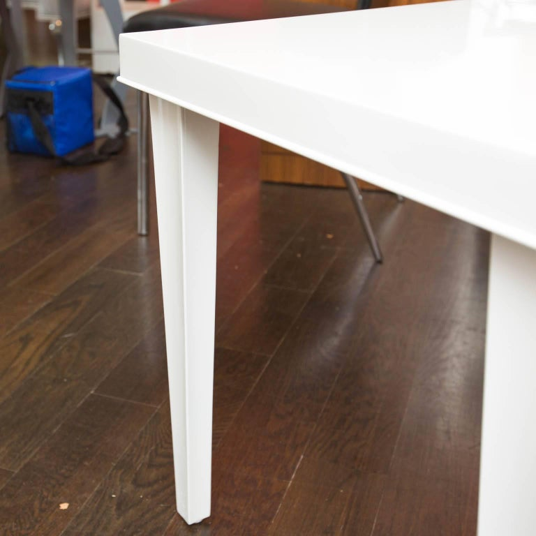 Midcentury Lacquered Side Table In Excellent Condition For Sale In New London, CT