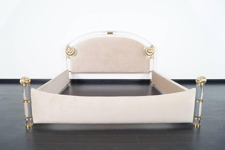 Exceptional Lucite and Brass King-Sized Bed by Marcello Mioni For Sale 2