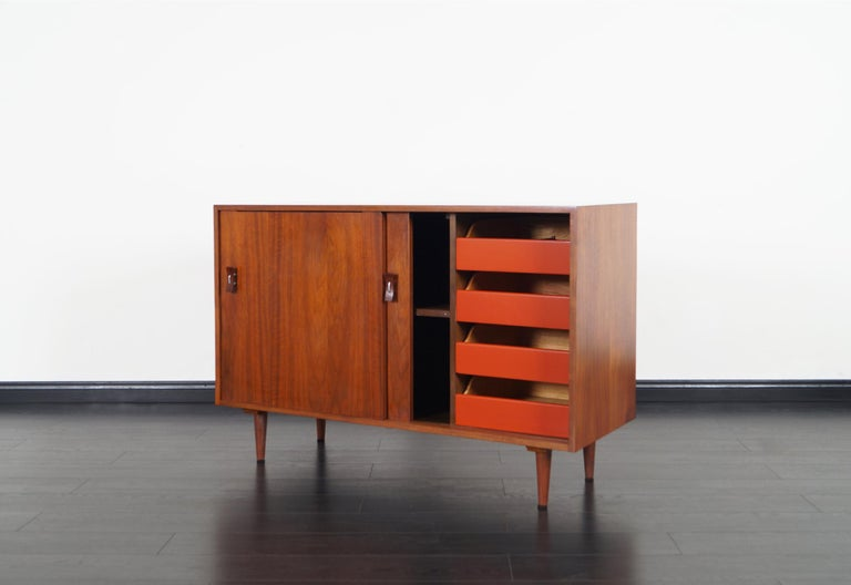 Mid-Century Modern Vintage Walnut Sideboard by Stanley Young For Sale