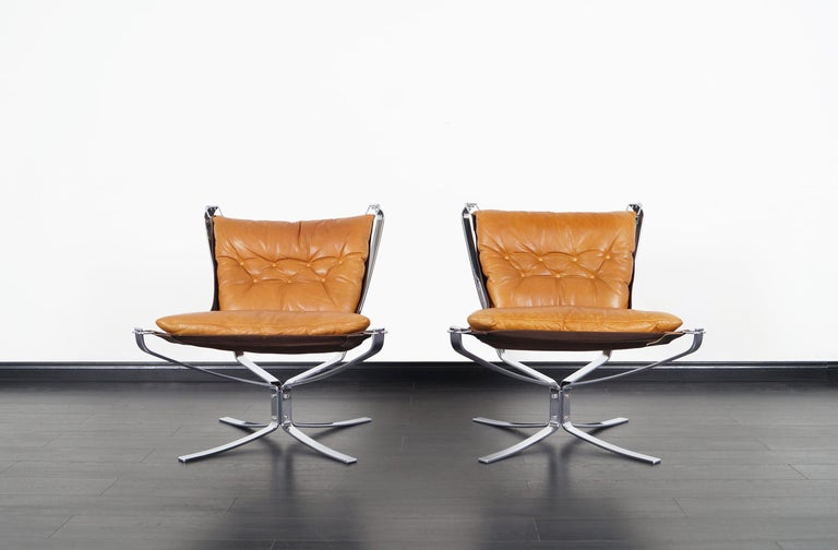 Stunning pair of vintage 'Falcon' lounge chairs designed by Sigurd Ressell for Vatne Møbler.