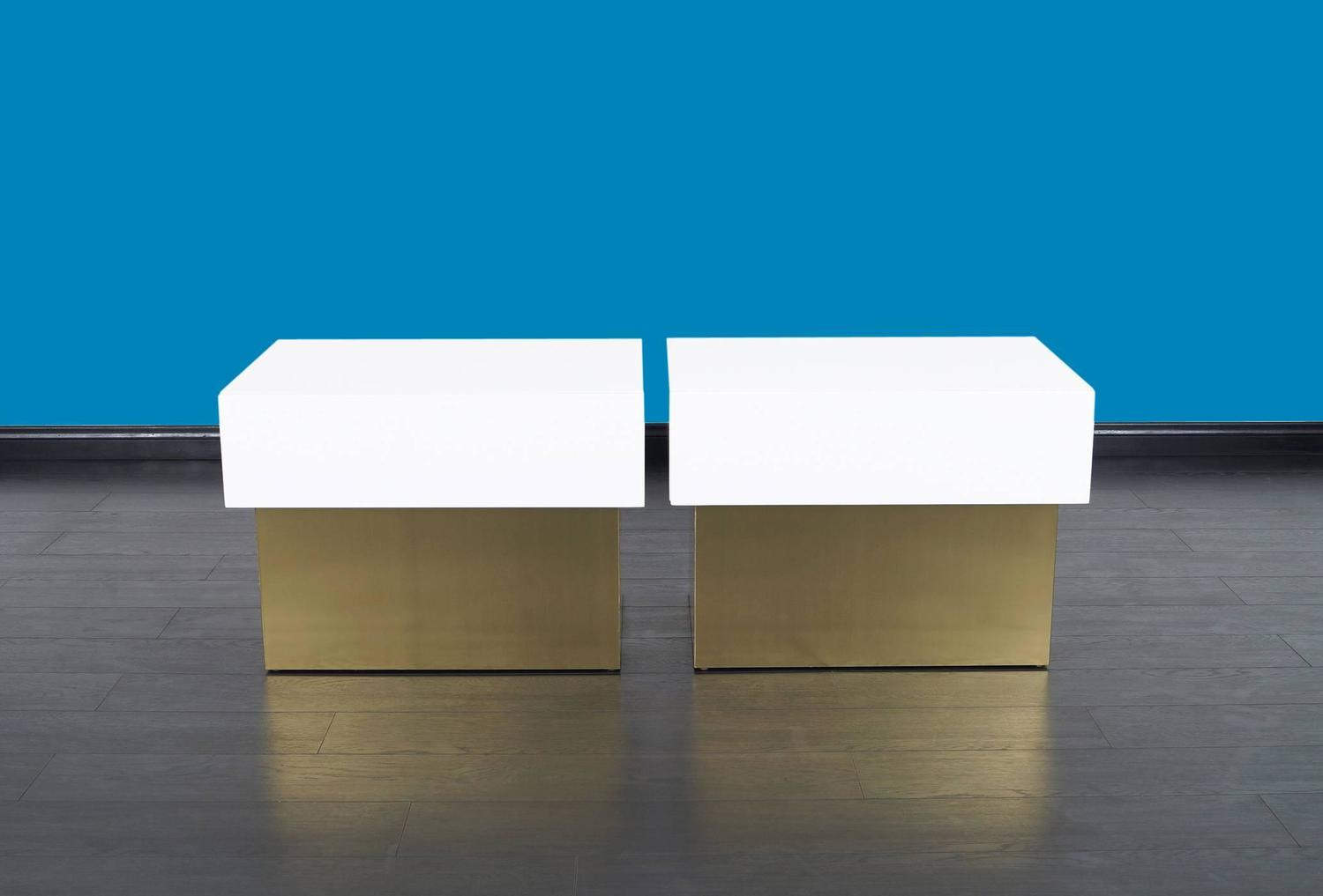 Vintage polished lacquered nightstands by steve chase for sale at