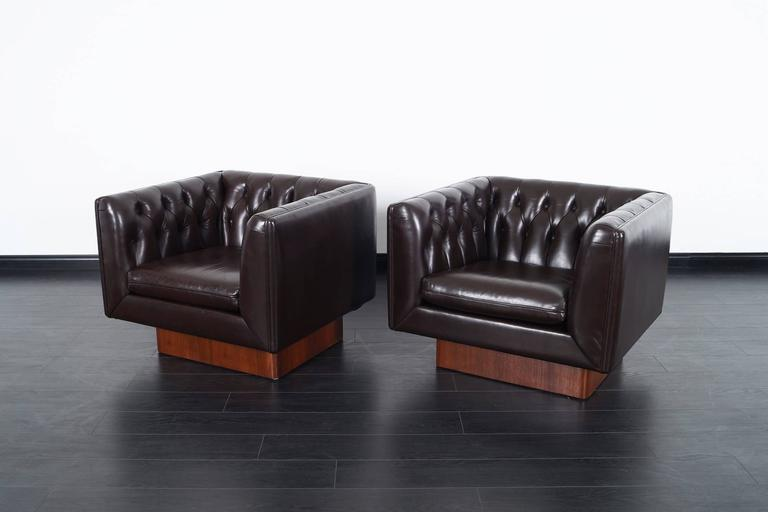 Mid-20th Century Vintage Tufted Leather Lounge Chairs by Milo Baughman For Sale