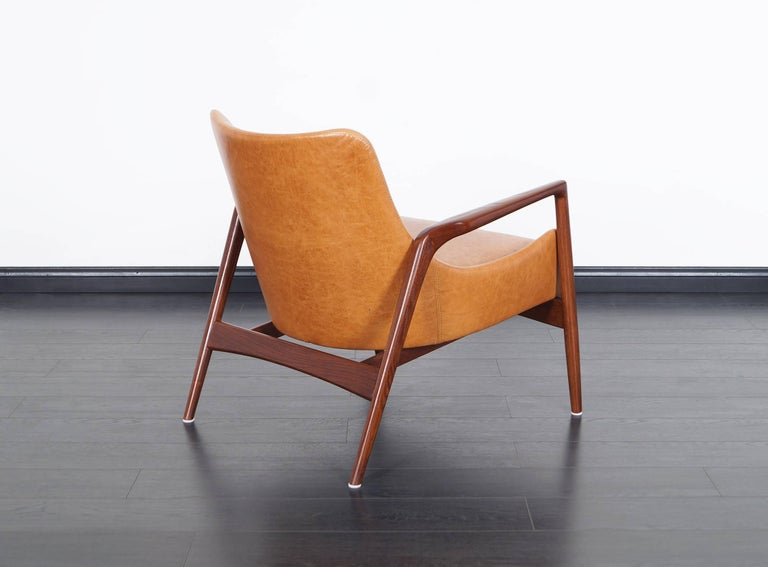 Danish Modern Leather Lounge Chairs by Ib Kofod Larsen For Sale 3