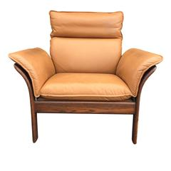 1970s Camel Leather and Rosewood Scandinavian Chair