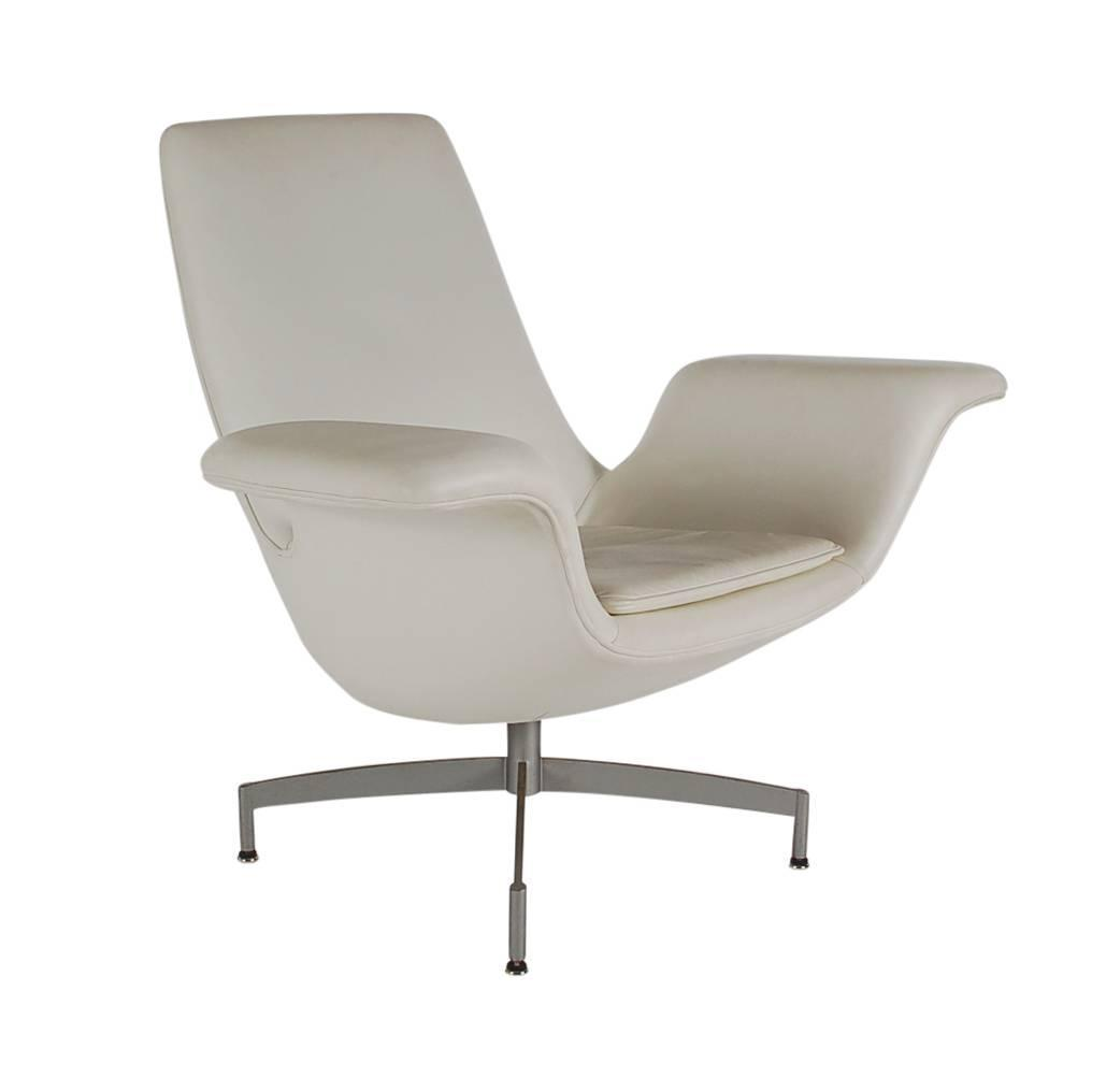 Mid Century Modern Dialogue HBF Swivel Lounge Chair in