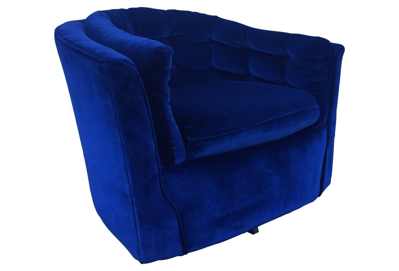 Royal Blue Velvet Mid Century Modern Swivel Chair For Sale
