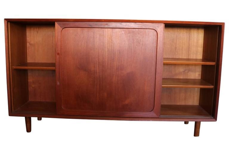 Mid-Century Modern Danish Teak Credenza Sideboard Bookcase For Sale 1