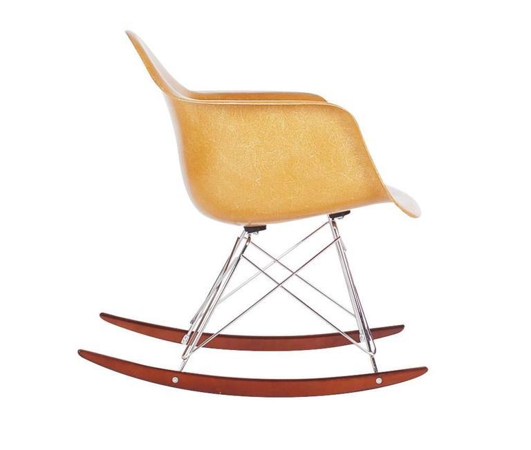 vintage herman miller charles eames fiberglass rocking lounge chair at 1stdibs. Black Bedroom Furniture Sets. Home Design Ideas