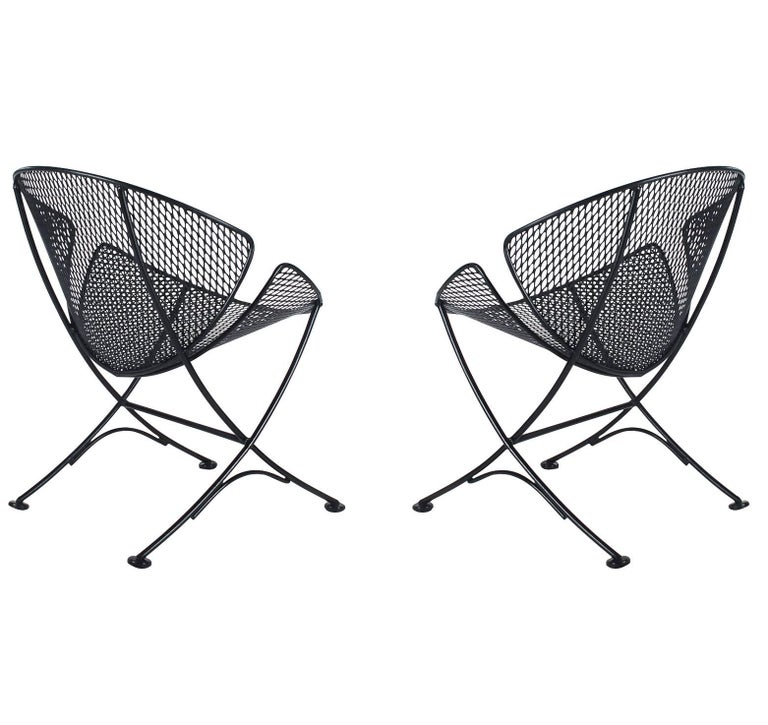 American Maurizio Tempestini Pair of Patio Iron Lounge Chairs & Table, Mid-Century Modern For Sale